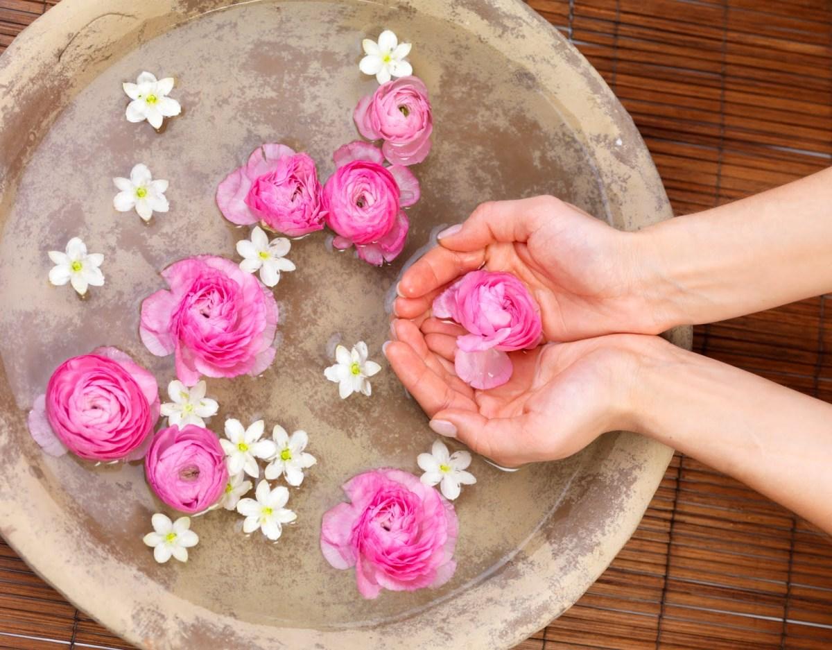 Цветы из лепестков роз своими руками